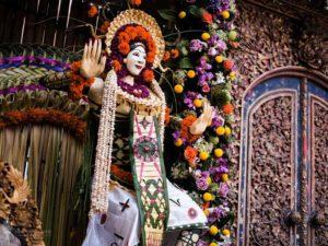 Dekorasi Pelaminan Pernikahan Bali