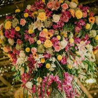 Rangkaian Bunga Gantung